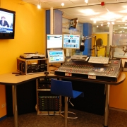 uieit..-..-public-galeries-photos-studio-radio-rmb-3.jpg
